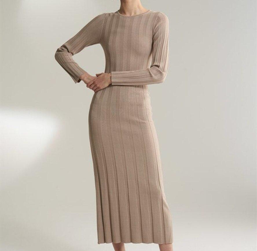 Kadın Giyim'ten Elbiseler'de Kum/Siyah Bianco ince kaburga örme uzun elbise yuvarlak boyun uzun kollu Düz etek Moda Örme Elbise 2019 yeni'da  Grup 1