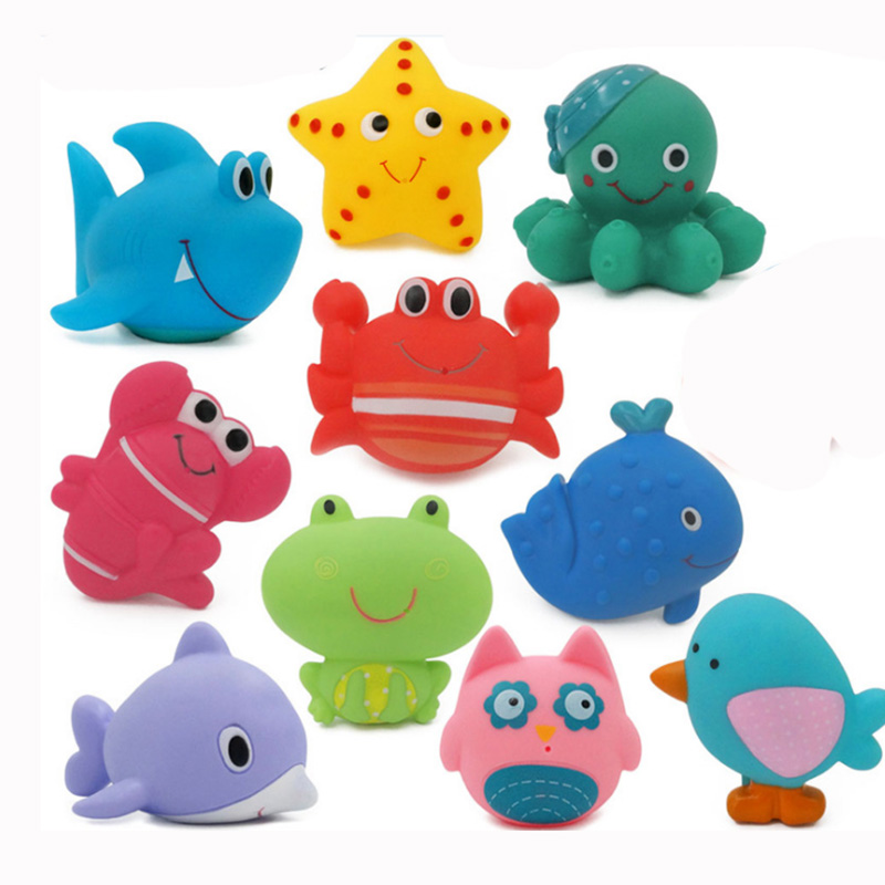 1 Piece Water Spray Animal Plastic Cement Toys  Bath Toys Bathroom Baby Toy Duck Green Frog For Boys Girls