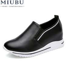 MIUBU New High Heel 2.5 Lady Casual Solid Color Shoes Women Leisure Platform Shoes Breathable Leather Height Increasing Shoes dumoo 2018 new autumn shoes women sneakers cow leather breathable cotton casual shoes leisure female high heel 5cm women shoes