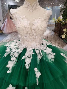 Image 4 - LSS152 Contrasting Sexy Backless Avocado Gree Evening Dresses 2020 High Neck Appliques Sleeveless Tiered Cake Party Dress платье