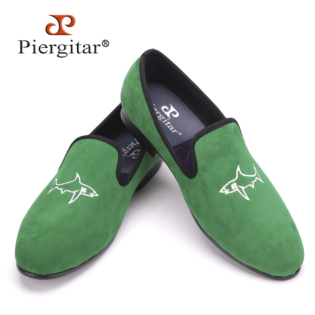 Piergitar 2016 new arrival Handcrafted men grass green velvet shoes with simplified shark embroidery Party and Prom men loafers