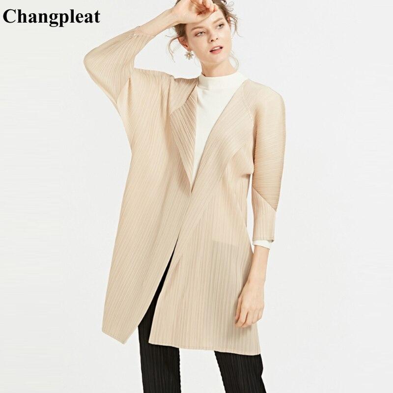 Changpleat 2019 ฤดูใบไม้ผลิใหม่หลวมผู้หญิง Miyak จีบแฟชั่น Plus ขนาด Solid Batwing แขนเสื้อเสื้อสเวตเตอร์ถัก T0-ใน โค้ทยาว จาก เสื้อผ้าสตรี บน   1