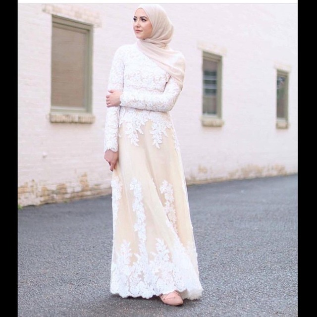 New Arrival Long Sleeve Muslim Evening Dresses Long 2017 White Appliques  Hijab Kaftan Islamic Abaya Formal Dress For Weddings 113fa2ca7c86