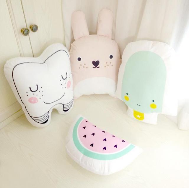 Baby cartoon poduszka dla dzieci śliczne poduszki bawełniane dla dzieci wystrój pokoju dla dzieci dziecka dziecko nadziewane miękkie noworodka łóżko lalka prezenty dla dzieci 1 sztuk