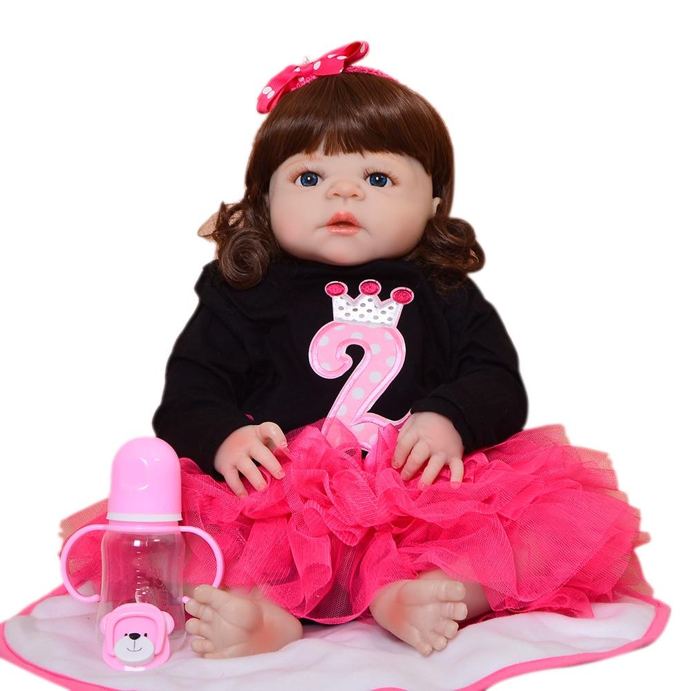 Здесь продается  Fashion 23 Inch Realistic Girl Baby Doll Handmade Curly Hair Bebe Reborn Boneca de Silicone Kid Holiday Gift House Toy Can Bath  Игрушки и Хобби