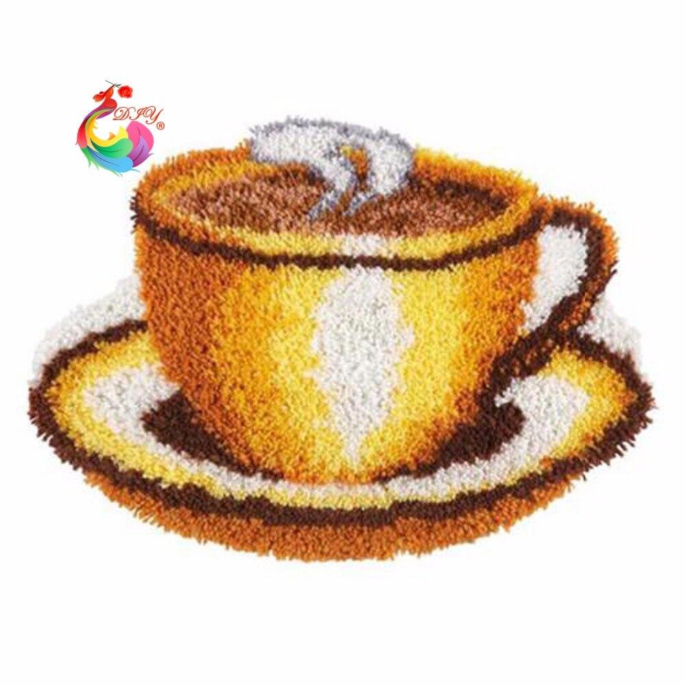 d73368fdd87ab Gancho Kit DIY Unfinished Crocheting Tapete Fio Tapete do Gancho da Trava  Kit tapete do Tapete Tapete Imagem Café Conjunto de fios de Ponto tapete