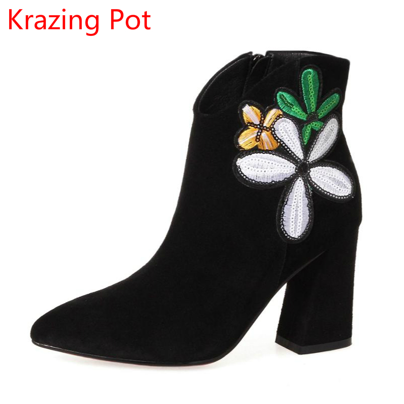 Superstar Cow Suede Flowers Embroidery Winter Shoes High Heels Fashion Chelsea Boots Zipper Pointed Toe Women Ankle Boots L2a цены онлайн