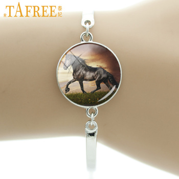 TAFREE 2017 Brand Pentium Horse Bracelet coat color a little white shaggy and shiny Glass cabochon for women men new jewelry A21 image