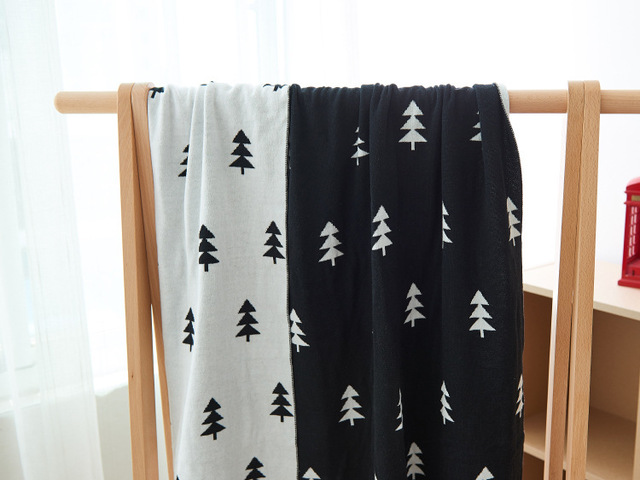 Cartoon Deer Tree Hill Blanket Kids Knitted Thick Air Conditioning Blanket Swaddle Newborn Photography Props Free Shipping 1pcs