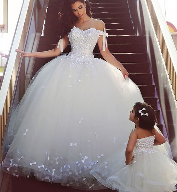 Fashion Write Ivory Bow Ball Gown Wedding Dress Back Lace Up Dress
