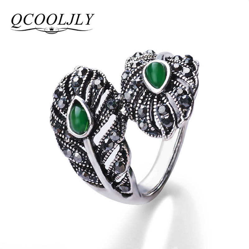QCOOLJLY Summer Style Luxury Vintage Fine Jewelry Antique Silver Color Green Stone Crystal Punk Rock Rings For Women Dance Party ...