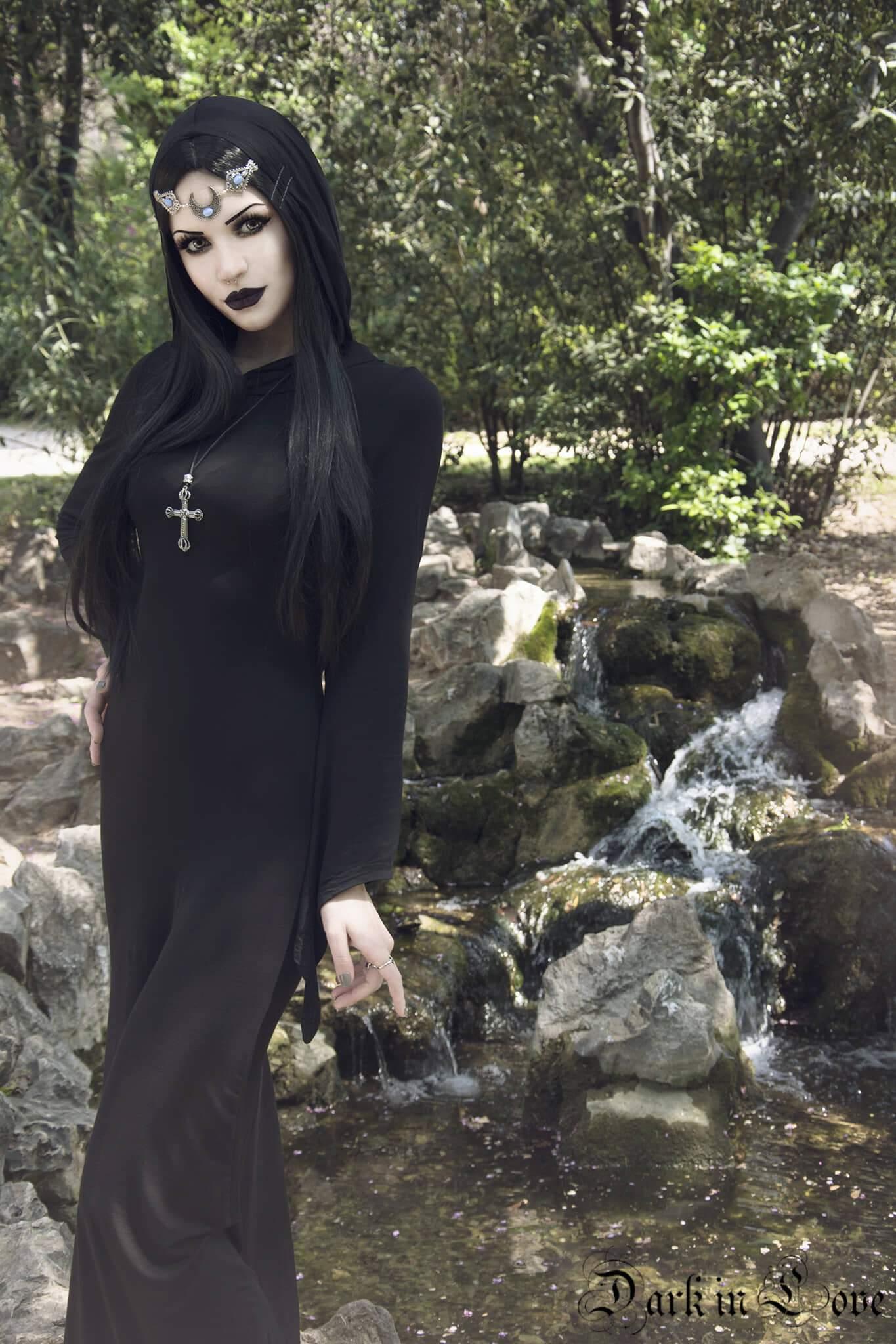 Darkinlove Women Gothic Dress Black Hooded Backless Stage Performance Long Dress