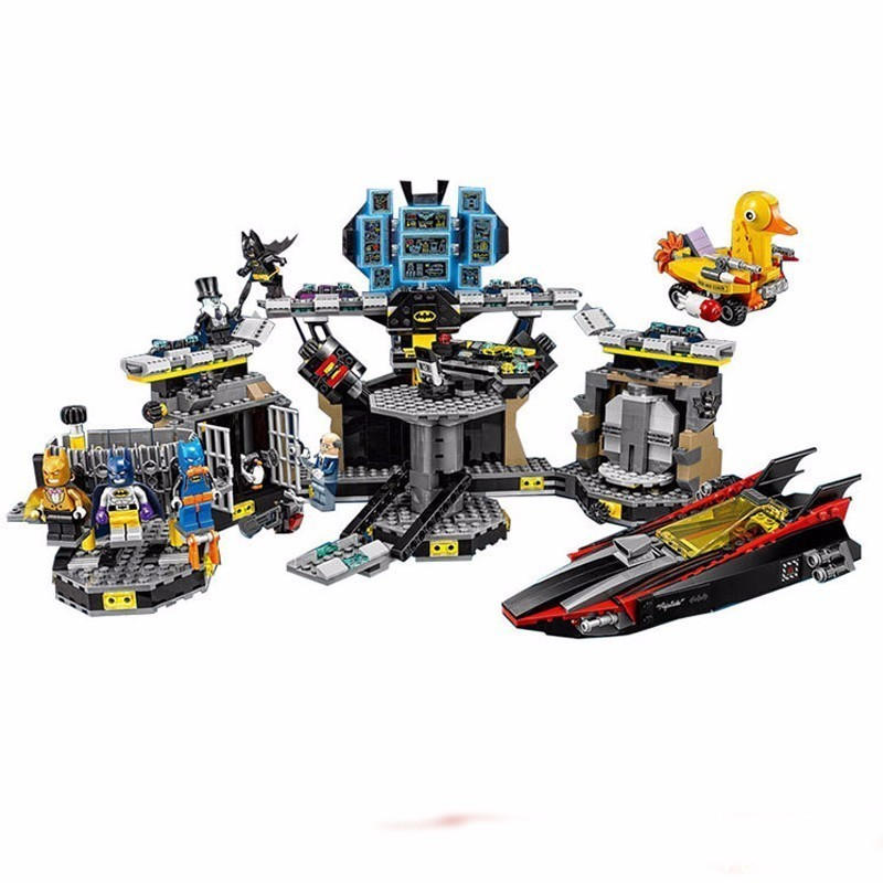 Lepin 07052 1047pcs Super Heroes Batman Batcave Break-in DIY Model Building Blocks Gifts Batgirls Movie Toys Compatible 70909 single sale pirate suit batman bruce wayne classic tv batcave super heroes minifigures model building blocks kids toys gifts