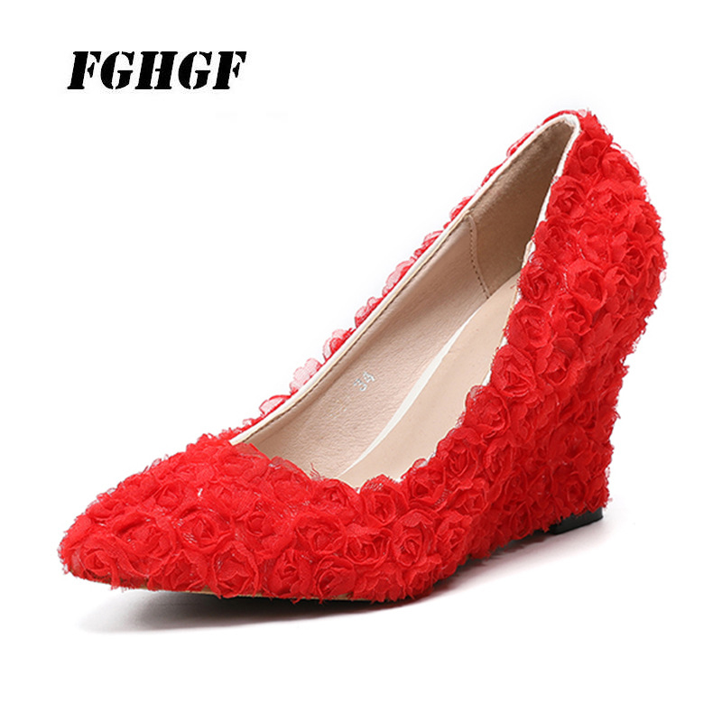 The New Fashion  Pointed Wedding Shoe  Lace The Shoe  Red Wedges  The Rose Flower  The Banquet  The Maid Of Honor  High Heels