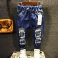 Nova chegada da primavera 2017 Crianças meninos de jeans Crianças calças jeans casuais Meninos moda jeans rasgados 3-8 anos!