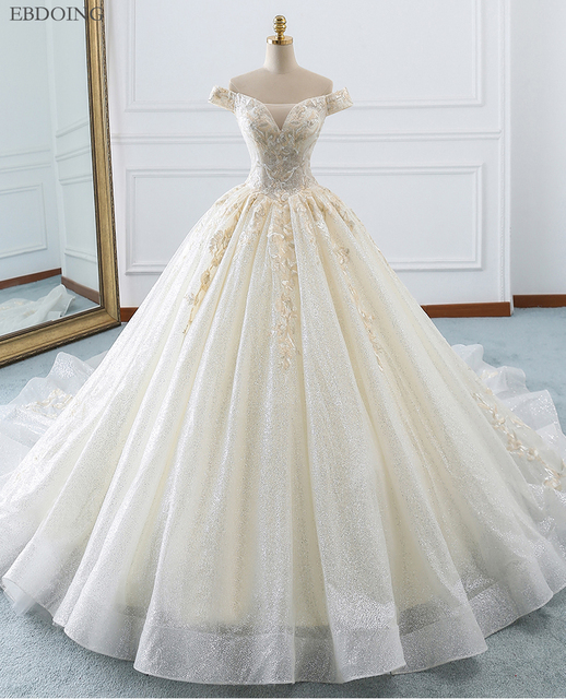 Amazing Ball Gown Wedding Dress Boat Neck Short Sleeves Vestidos De Novia Chapel Train Lace Up Plus Size With Embroidey