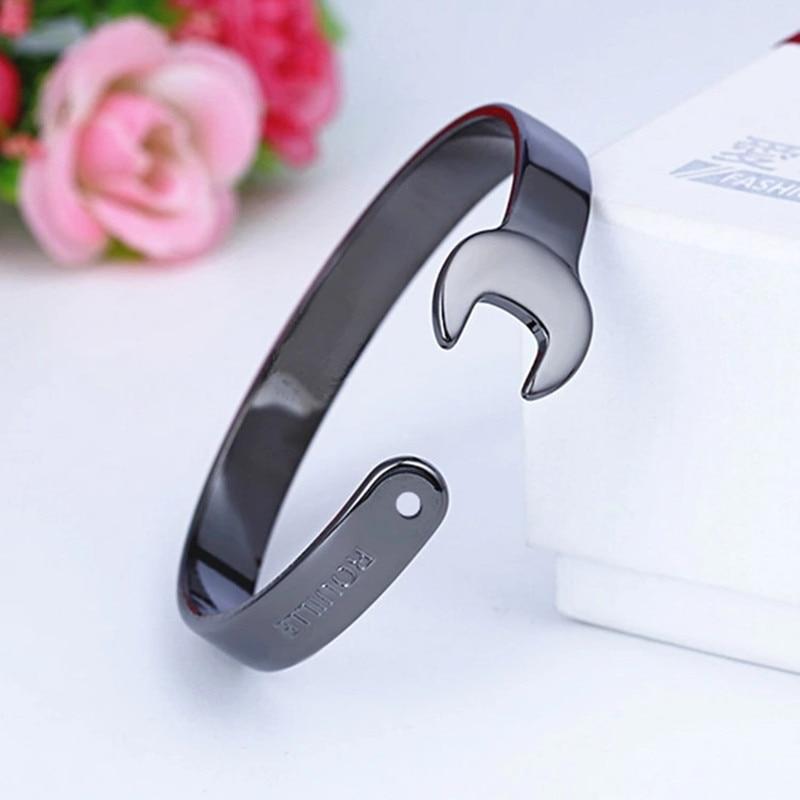 Armband Retro Nostalgie mechanischen Schraubenschlüssel schwarz Armband Mann Abschnitt Armband Metall Armband Männer und Frauen