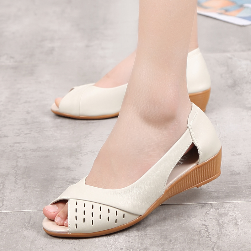 8e605fe749 ZZPOHE-Women-Shoes-2017-Summer-New-Fashion-Genuine-Leather-Woman-Sandals -Plus-Size-Ladies-Flats-Sandals.jpg