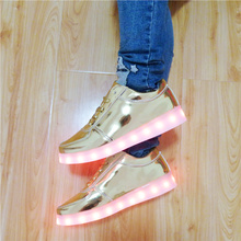 7ipupas Luminous LED SHOES 2017 Emitting Casual Shoes Men Lovers LED lighted chaussure unisex usb Charging Glowing Led Shoes