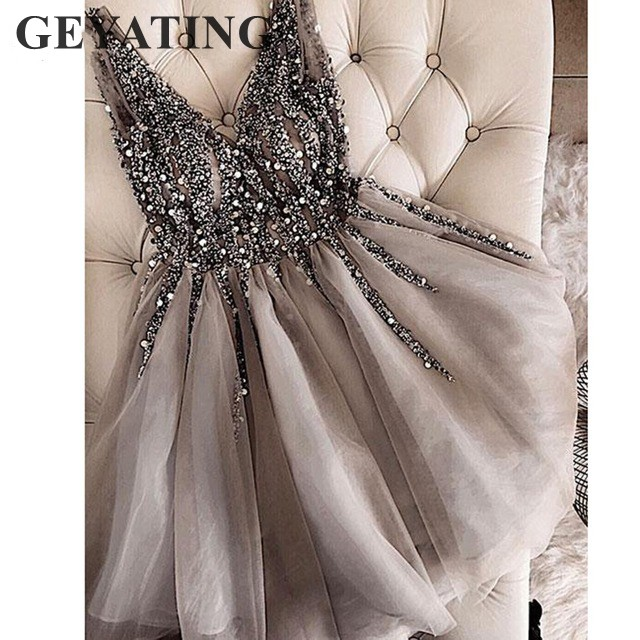 Elegant Crystal Beaded Gray Cocktail Dresses 2020 Short Homecoming Dress Sexy V-neck Tulle Knee Length Formal Dress Party Gowns