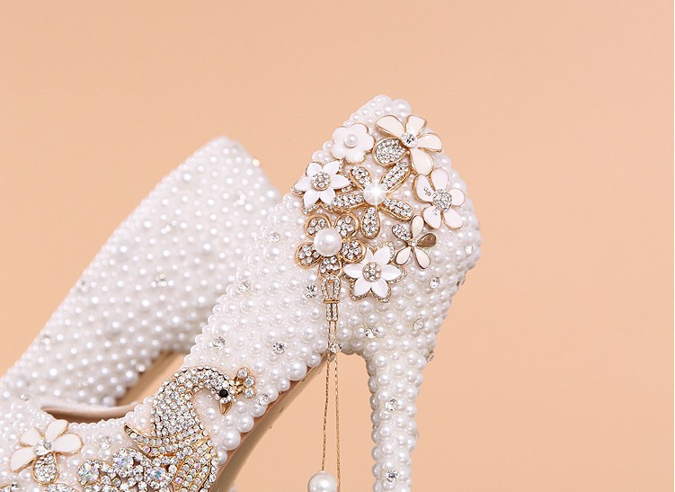 Costly diamond pearl phoenix wedding shoes princess wedding dresses  bridesmaid nightclub ultra high with lighter shoes em Bombas das mulheres  de Sapatos no ... fd7cbcc625ae