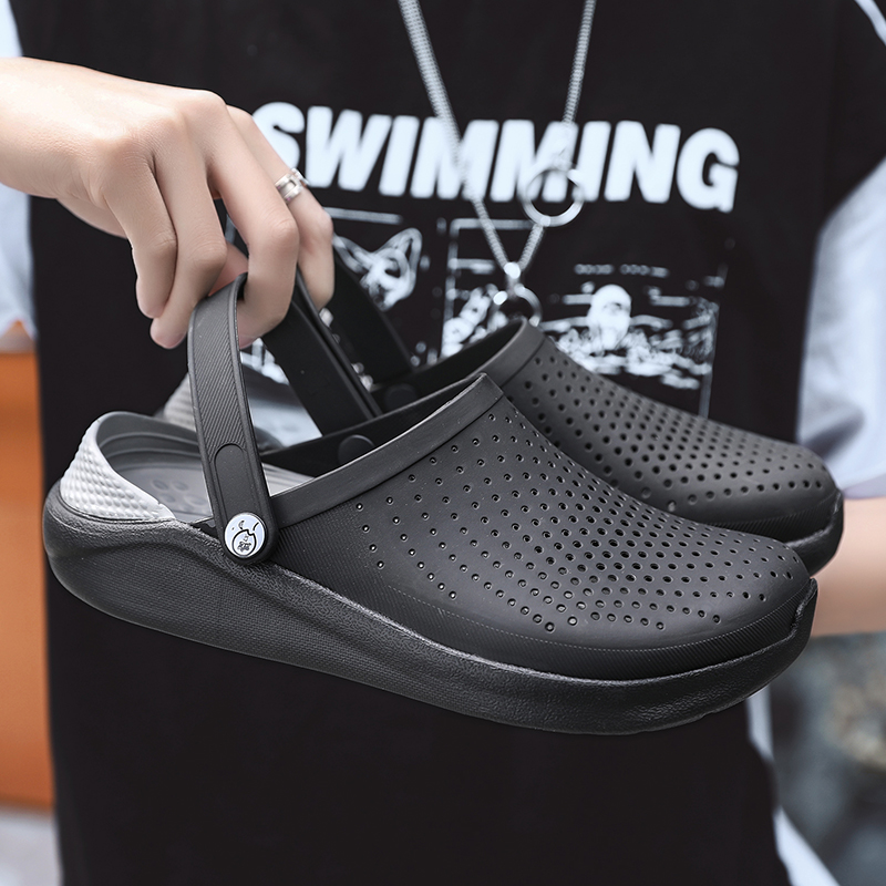 2020 Men Sandals Crocks Summer Hole Shoes Crok Rubber Clogs Men EVA Unisex Garden Shoes Black Crocse Beach Flat Sandals Slippers
