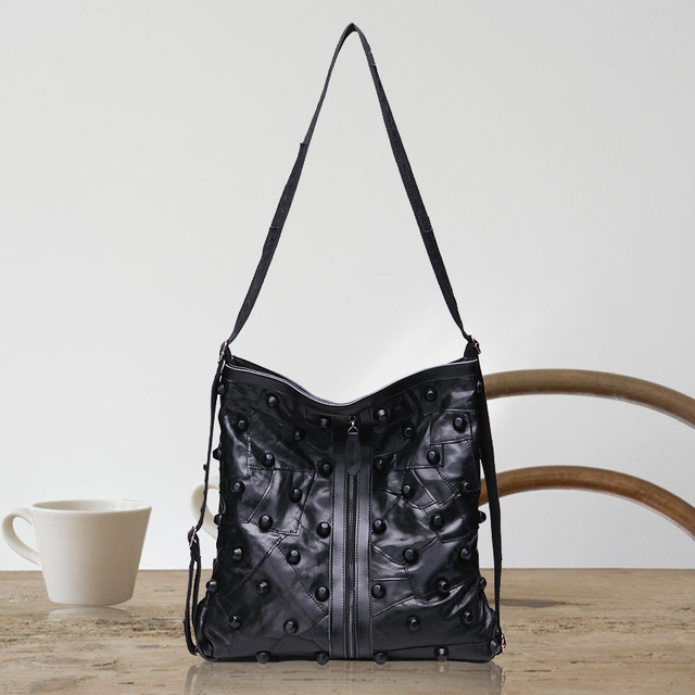 2017 women sheepskin  shoulder bag  big capacity handbag rivet motorcycle bag genuine leather autumn and winter style