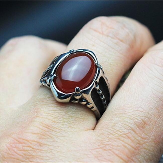 Black / Red Onyx Stone Mens Ring Thick Band In Well polished Antique Titanium Stainless Steel Vintage Cool Mens Jewelry Free Box цена 2017