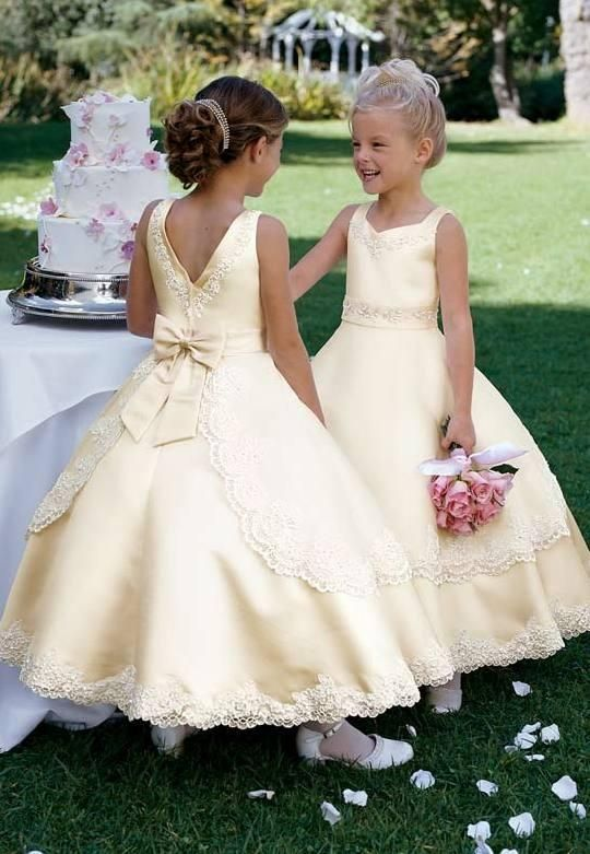 Lovely Champagne Lace Embroidery Satin Flower Girl Dress Hollow V Back Floor Length Kids Pageant Dresses with Bow Sash 2-12 Old