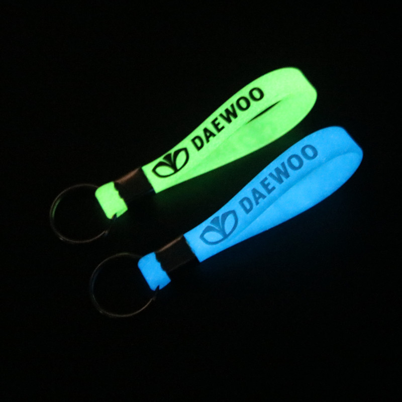 New Luminous Car-Styling Silicone Keychain Car Sticker Key Ring For Daewoo Espero Nexia Matiz Lanos Key Chain Accessories