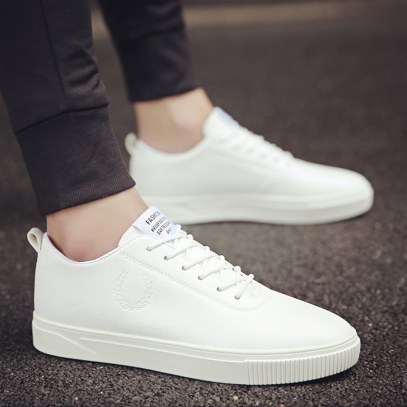 Trend Of Men Shoes Skateboarding Flat Male Leather Men Shoes Comfortable Korean White Shoes Skate Allmatch Canvas Shoes
