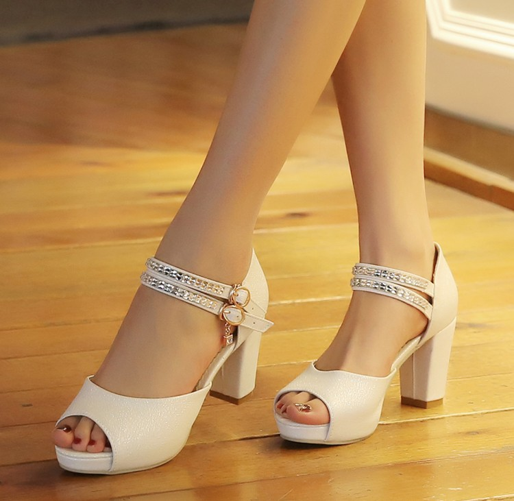 Free Shipping 2016 The New Spring and Summer with Thick Waterproof Sandals Heels Womens Casual Shoes Mouth Size Small Code 32-43 slope with super high heels 14cm platform shoes sandals and slippers spring and summer fish head thick crust waterproof shoes