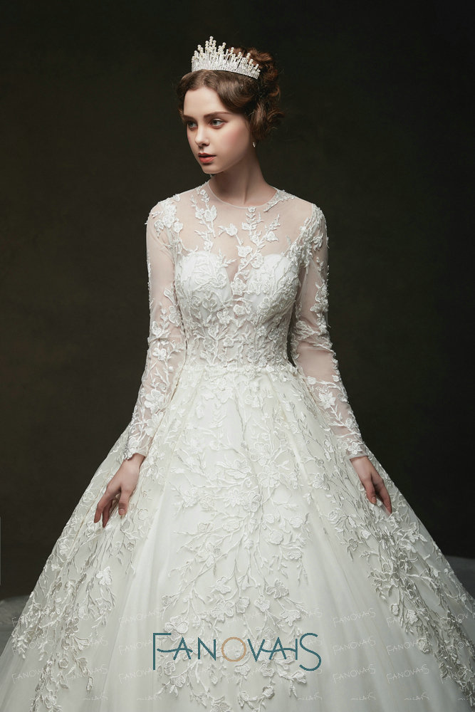 Vintage Lace Wedding Dresses Long Sleeves Royal Bridal Gowns 2019 Vestido De Novia Robe De Mairee Couture Dress Plus Size in Wedding Dresses from Weddings Events
