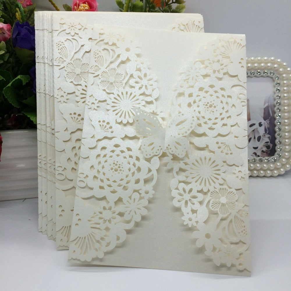 40 pcs White/Beige Pearlescent Paper Flower Carved Pattern Invitation Cards for Wedding & Party Decoration 1 design laser cut white elegant pattern west cowboy style vintage wedding invitations card kit blank paper printing invitation