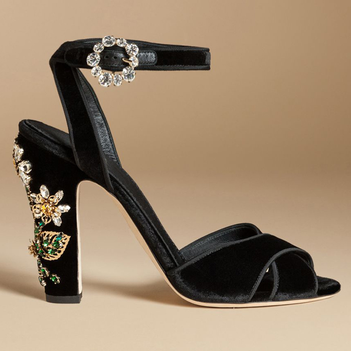 Summer New Arrival Black  Flock Woman Sandals Daisy Flower Rhinestones Embellished Square Heel Buckle Strap Women Pumps xiaying smile summer new woman sandals platform women pumps buckle strap high square heel fashion casual flock lady women shoes