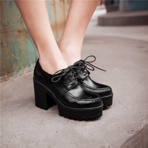 Chunky Heel Oxfords - Qu Heel