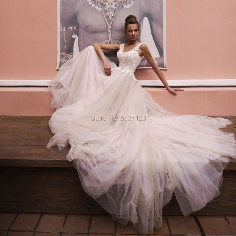 A Line Wedding Dresses V Neck Sleeveless Wedding Bridal Gown Lace Appliques Tulle Floor Length Court Train Vestido De Noiva