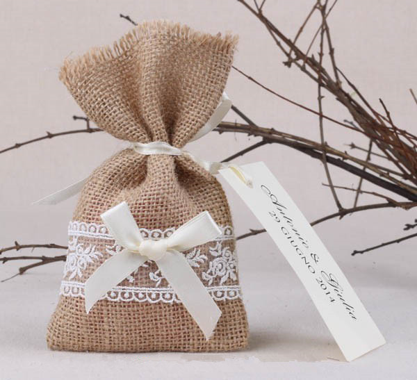 50pcs Lot Rustic Vintage Style Burlap Hessian Lace Wedding Favour Bags With Ribbon