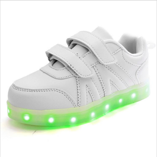 2016 Kids Sneaker With LED Lights Colorful Running Sport Shoes for Kids Children Boys and Girls Enfant Walking Shoes PU