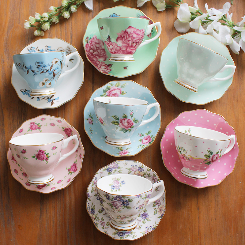 4 pièces porcelaine osseuse, style européen, ensemble de thé de l'après-midi, y compris 4 tasses + 4 soucoupe, uit pour café et Puer/noir/fruits/fleur thé