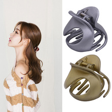Butterfly Holding Hair Clips Section Woman Girls Styling Tools Claw Clamps Hairpins Pro Salon Accessories