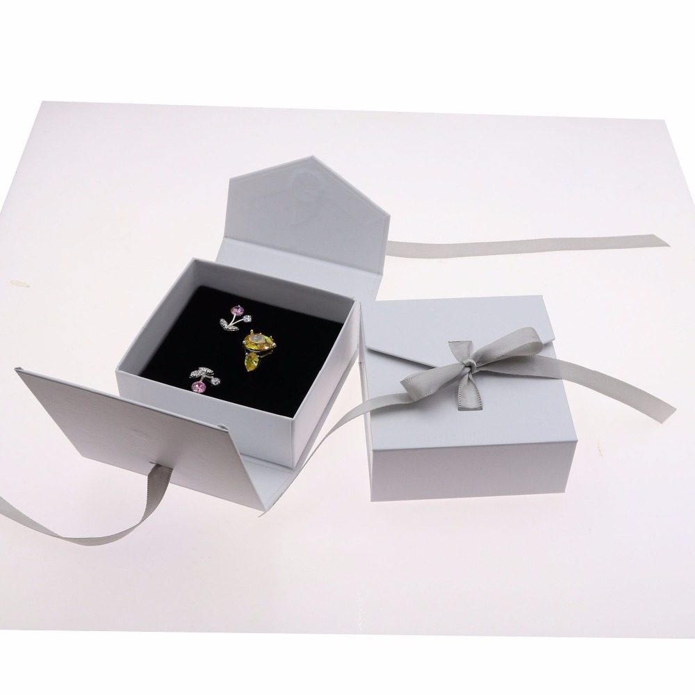 Fashion Jewelry Organizer Paper Box With Butterfly Ribbon 10pcs/lot 8x8.3x3.5cm Wedding Gift Jewelry Ring Necklace Storage