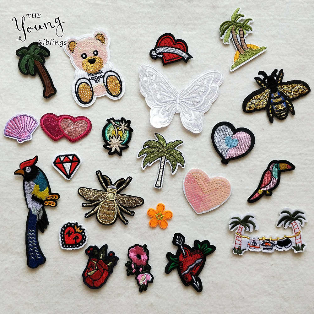 22PCS Mixed Iron On Patches For Clothing Embroidery Patch Cactus Badge Little Bear hornet For Clothes Jeans Applications DIY