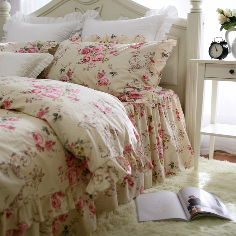 Top Romantic ruffle lace bedding set beautiful garden flower bedding bed set embroidery king bedding set cotton duvet cover setTop Romantic ruffle lace bedding set beautiful garden flower bedding bed set embroidery king bedding set cotton duvet cover set