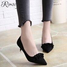 Lady Klasik Semi Sepatu