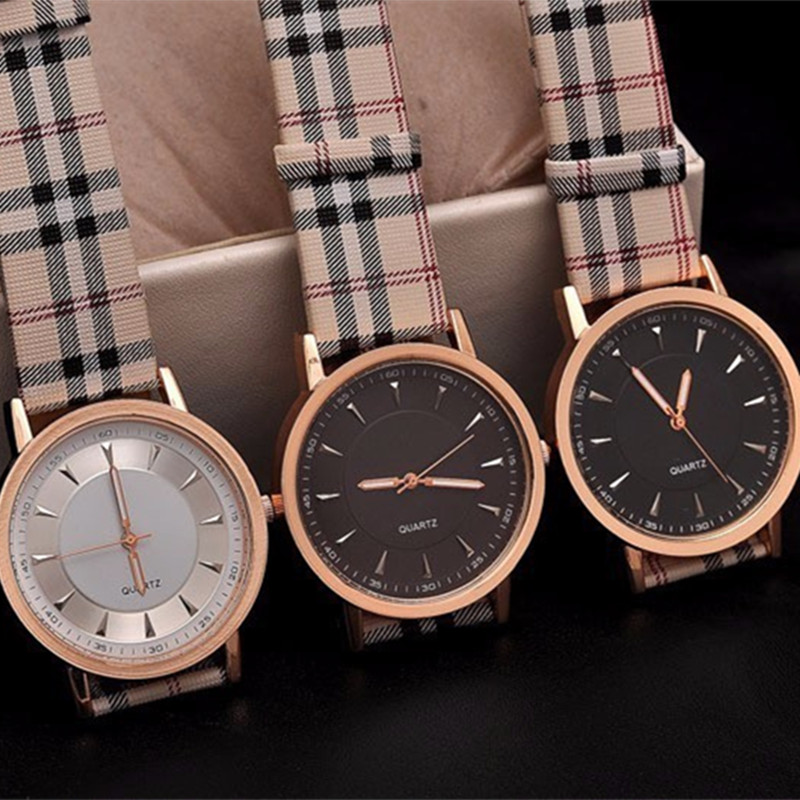 3416507bac4 2017 Hot Sale Top Marca de Luxo mulheres Relógio Pulseira de Couro casuais  Relógio De Quartzo de Ouro Tira Xadrez Vestido Da Senhora relógio de pulso  reloj ...