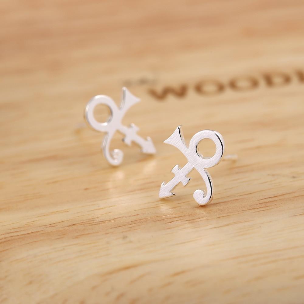 SMJEL New Prince Symbol Női fülbevalók Kis hercegnő rajongók Singer stud Fülbevalók bijoux oorbellen Születésnapi ajándékok S186