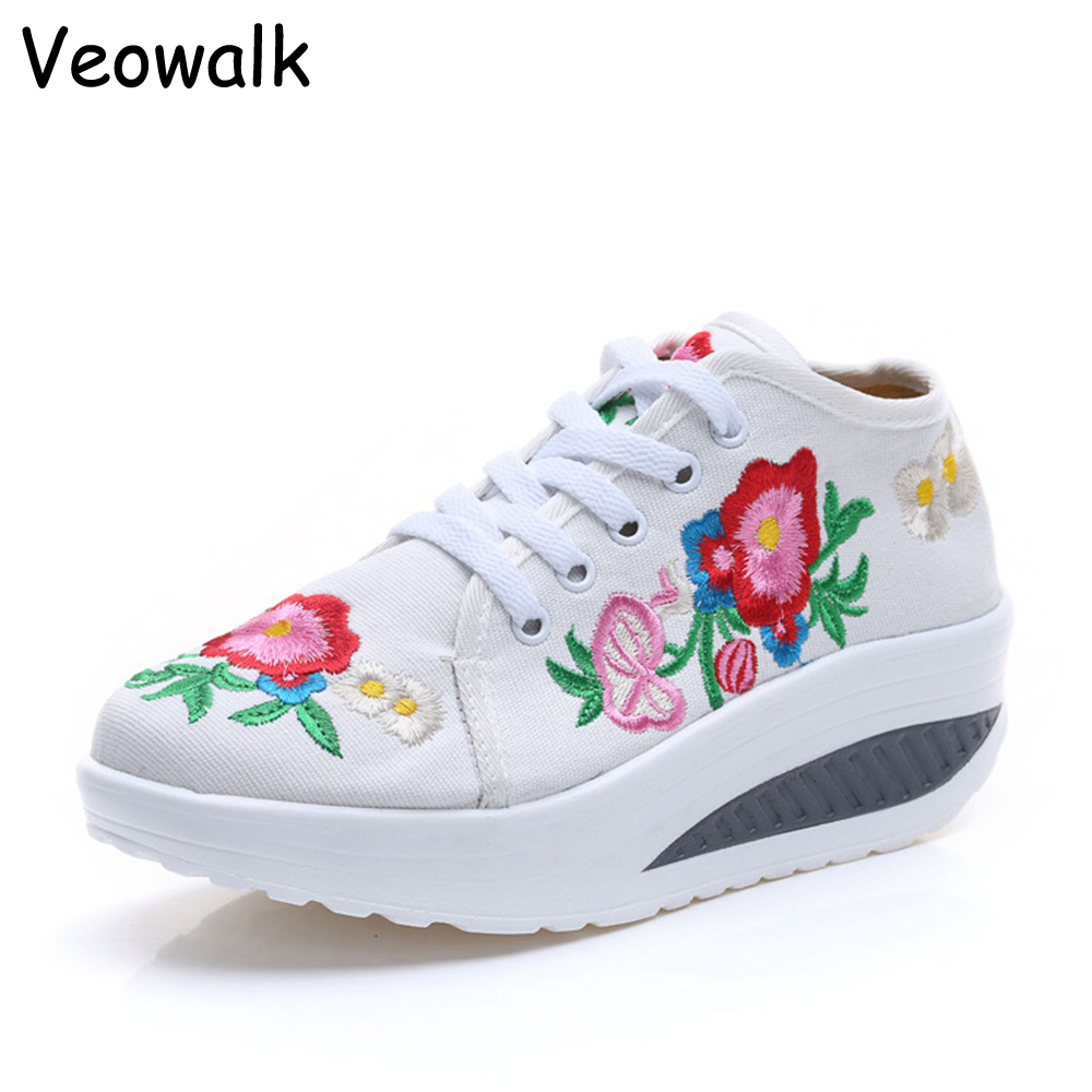 Veowalk Cotton Floral Embroidery Women's Fashion Canvas Flat Platforms Lace up Ladies Casual Comfort Walking Shoes Zapatos Mujer vintage flats shoes women casual cotton peacock embroidered cloth flat ankle buckles ladies canvas platforms zapatos mujer