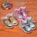 2017 la primavera y el otoño de dibujos animados brillo luminoso led shoes niños shoes kids boys and girls shoes con luz led cuero