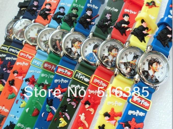 цена на 10pcs 3D Cartoon Lovely fashion Kids Girls Boys Children Students Quartz Wrist Watch watches style relogio clock